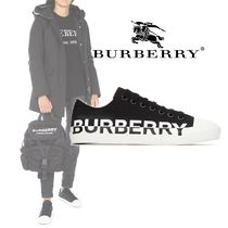 Burberry Rubber Sole Casual Style Leather Low-Top Sneakers