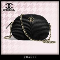 CHANEL Casual Style Lambskin Chain Plain Leather Party Style
