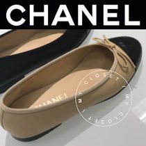 CHANEL ICON Street Style Bi-color Plain Leather Handmade Ballet Shoes