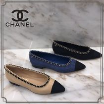 CHANEL Casual Style Bi-color Plain Block Heels Elegant Style