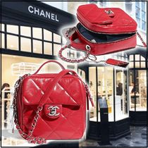 CHANEL 2020 CRUISE CAMERA CASE red shoulder bags