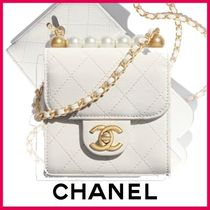 CHANEL Chain Plain Leather Party Style Elegant Style Clutches