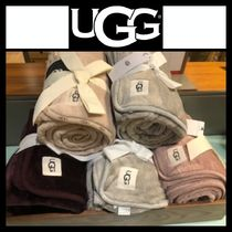 UGG Australia Unisex Plain Throws