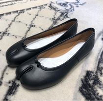 Maison Margiela Tabi Plain Leather Logo Flats