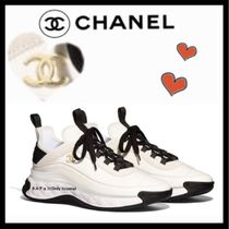 CHANEL SPORTS Casual Style Unisex Plain Leather Low-Top Sneakers