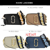 MARC JACOBS Snapshot Casual Style Unisex Vanity Bags Plain Leather Party Style