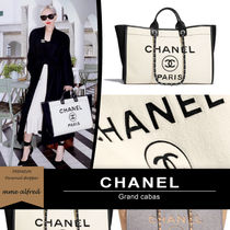 CHANEL Casual Style Unisex Calfskin Blended Fabrics A4 2WAY Chain