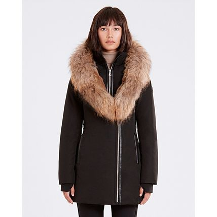Short Fur Plain Logo Down Jackets