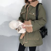 Short Casual Style Bi-color Plain Medium Shearling Parkas