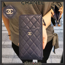 CHANEL MATELASSE Unisex Calfskin Plain Pouches & Cosmetic Bags