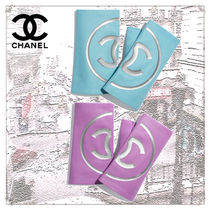 CHANEL Unisex Street Style Bi-color Plain Leather Special Edition