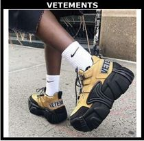 VETEMENTS Unisex Street Style Leather Low-Top Sneakers