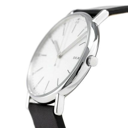 Casual Style Unisex Leather Round Quartz Watches Stainless