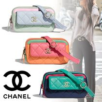CHANEL Casual Style Blended Fabrics Bag in Bag Chain Plain Leather