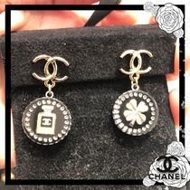 CHANEL Casual Style Clover Elegant Style Asymmetry Earrings