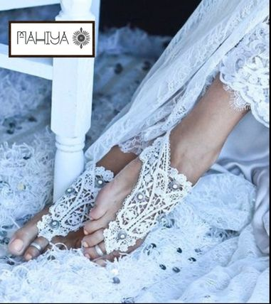 Flower Patterns Handmade Lace With Jewels Shoes