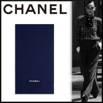 CHANEL ICON Throws