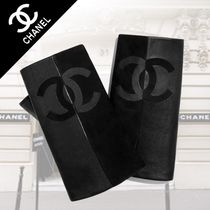 CHANEL Street Style Plain Leather Leather & Faux Leather Gloves