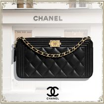 CHANEL BOY CHANEL Lambskin Chain Plain Party Style Elegant Style Logo Clutches