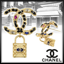 CHANEL Street Style Party