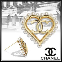 CHANEL Heart Street Style Logo Party