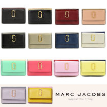 MARC JACOBS Snapshot Tropical Patterns Unisex Plain Leather Folding Wallet