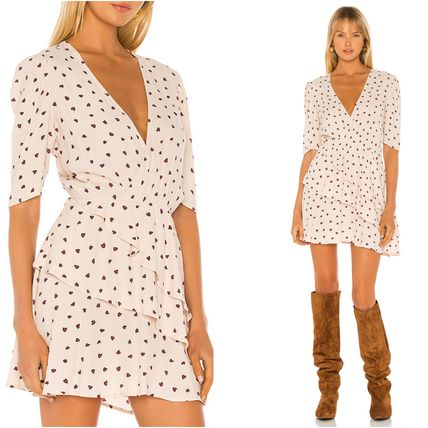 Short Heart Casual Style A-line Flared V-Neck Short Sleeves