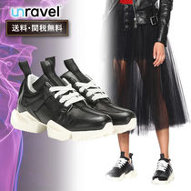 UNRAVEL Casual Style Low-Top Sneakers