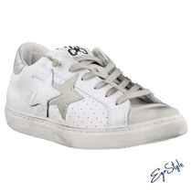 2STAR Low-Top Sneakers