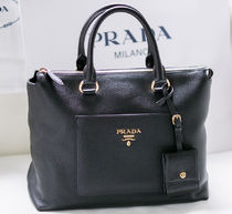 PRADA SAFFIANO LUX 2WAY Plain Leather Handmade Elegant Style Crossbody Totes