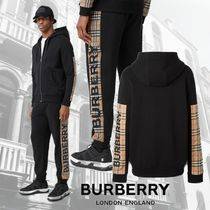 Burberry Street Style Top-bottom sets