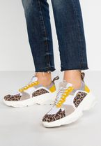 PAVEMENT Low-Top Sneakers
