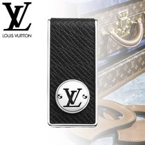 Louis Vuitton Street Style Leather Wallets & Card Holders