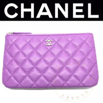 CHANEL MATELASSE Street Style Plain Leather Handmade Pouches & Cosmetic Bags