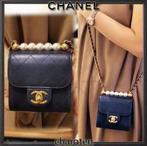 CHANEL ICON CHANEL Shoulder Bags