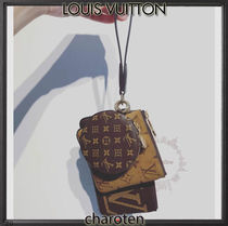 Louis Vuitton MONOGRAM Louis Vuitton Pouches & Cosmetic Bags