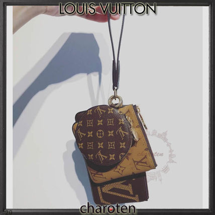 Louis Vuitton Pouches & Cosmetic Bags