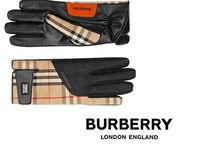 Burberry Burberry More Gloves