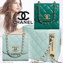 CHANEL Casual Style Lambskin Blended Fabrics Chain Plain