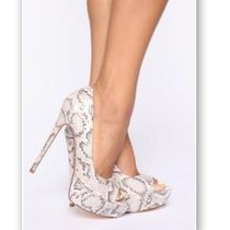 FASHION NOVA Open Toe Casual Style Other Animal Patterns Pin Heels