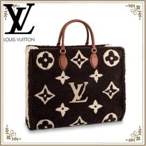 Louis Vuitton Monogram Casual Style A4 Shearling Bags