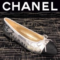CHANEL ICON Blended Fabrics Street Style Bi-color Handmade Ballet Shoes