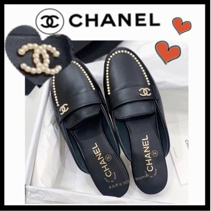 CHANEL ICON Mules Plain Leather Elegant Style Sandals
