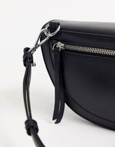 House of Holland Leather Elegant Style Shoulder Bags