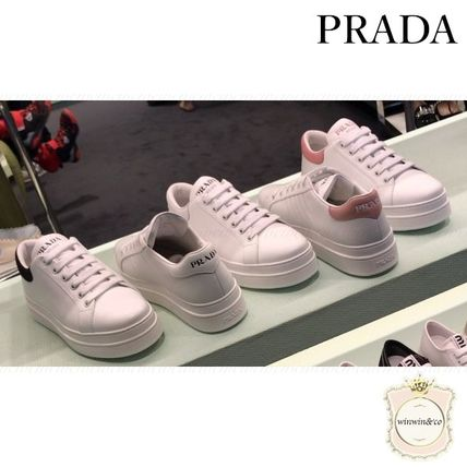 Casual Style Logo Low-Top Sneakers