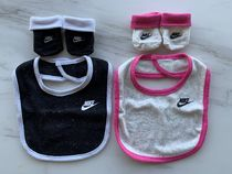Nike Unisex Baby Girl Bibs & Burp Cloths