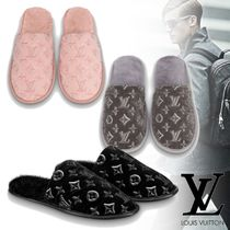 Louis Vuitton Monogram Unisex Fur Plain Logo Shoes