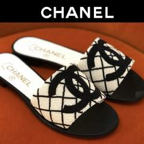 CHANEL Plain Toe Casual Style Plain With Jewels Elegant Style Mules