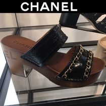 CHANEL Open Toe Casual Style Blended Fabrics Chain Plain Leather
