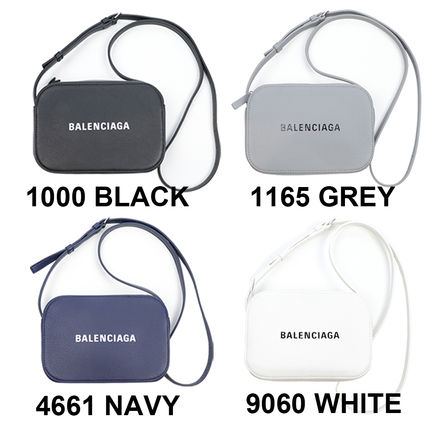 BALENCIAGA EVERYDAY TOTE Casual Style Unisex Calfskin Street Style 2WAY Bi-color